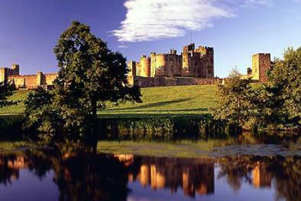 Northumbrian Hills is close to the majestic Alnwick castle